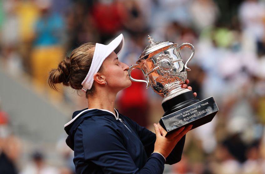 Barbora Krejcikova (25 de ani, 33 WTA) este noua campioană de la Roland Garros! Cehoaica a învins-o în ultimul act pe Anastasia Pavlyuchenkova (29 de ani, 32 WTA), scor 6-1, 2-6, 6-4.
