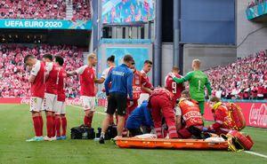 Scut uman! Imagini impresionante: cu lacrimi în ochi, danezii l-au protejat pe Eriksen, care lupta pentru viața lui