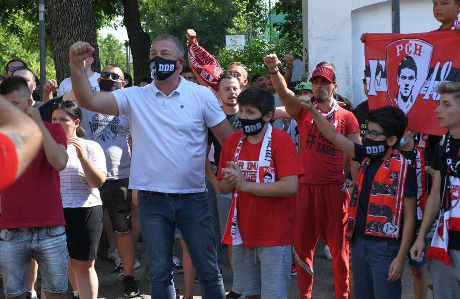 Fanii lui Dinamo la stadion // FOTO: Guliver/GettyImages