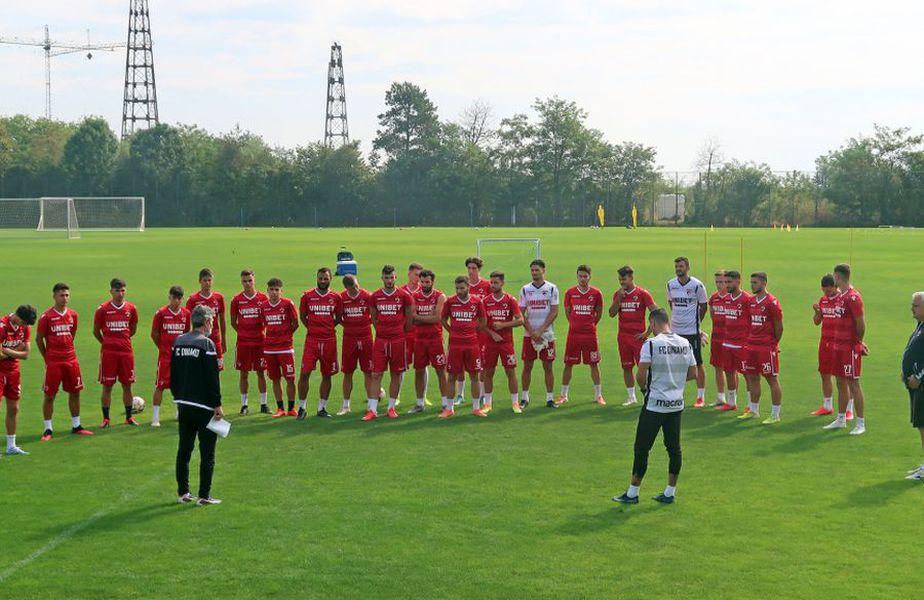 Dinamo s-a reunit astăzi la Săftica, acolo unde echipa va rămâne în cantonament timp de câteva zile. Sursă foto: FC Dinamo
