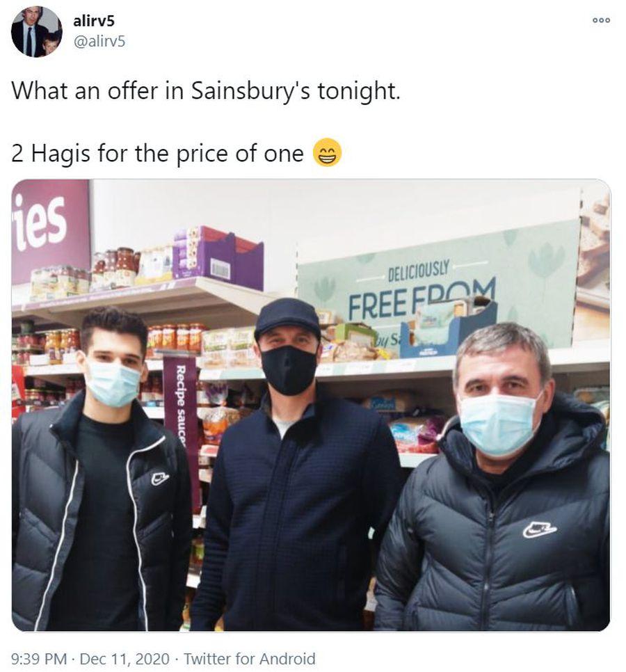 """""""Doi Hagi la preț de unul"""" » Ianis și Gică Hagi au atras toate privirile într-un supermarket din Scoția"""