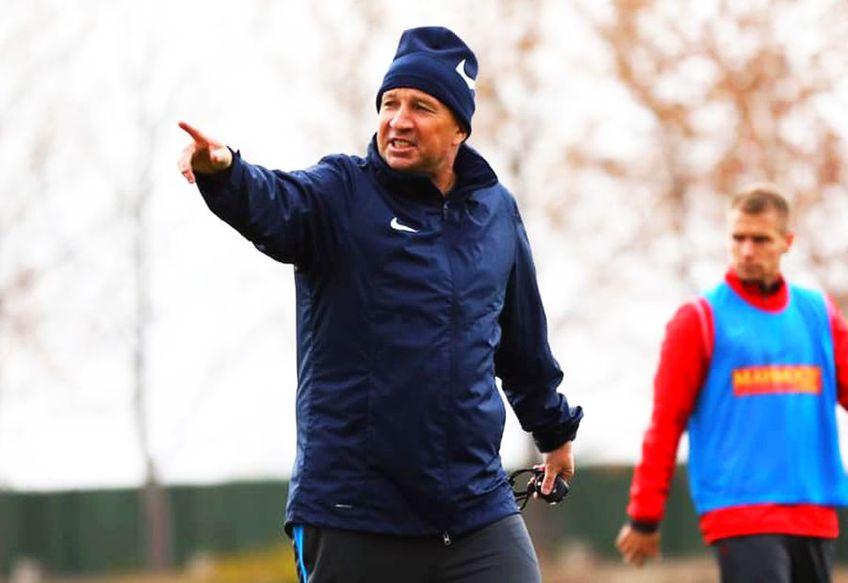 Dan Petrescu (53 de ani) vrea să îl transfere la Kayserispor pe fundașul central Bogdan Mitrea (33 de ani).  FOTO: Facebook @KayserisporFK
