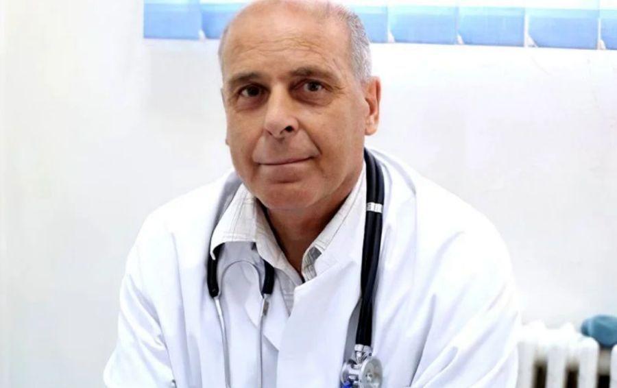 EXCLUSIV Trecutul neștiut al lui Virgil Musta, medicul care a vindecat cei mai mulți bolnavi de COVID-19: căpitan în naționala de fotbal care a luat bronzul la un turneu final + 3 povești inedite