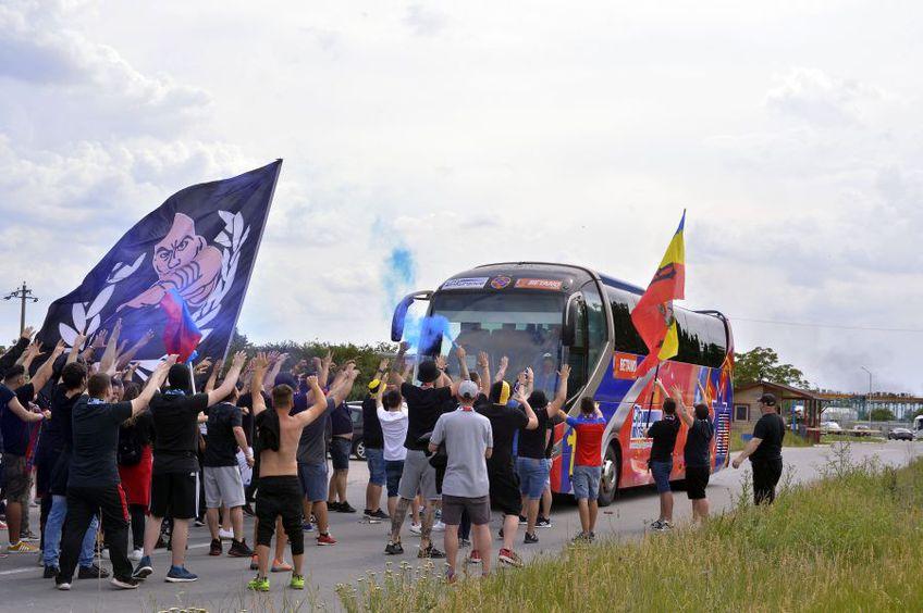 Suporterii lui FCSB la Berceni // foto: Cristi Preda