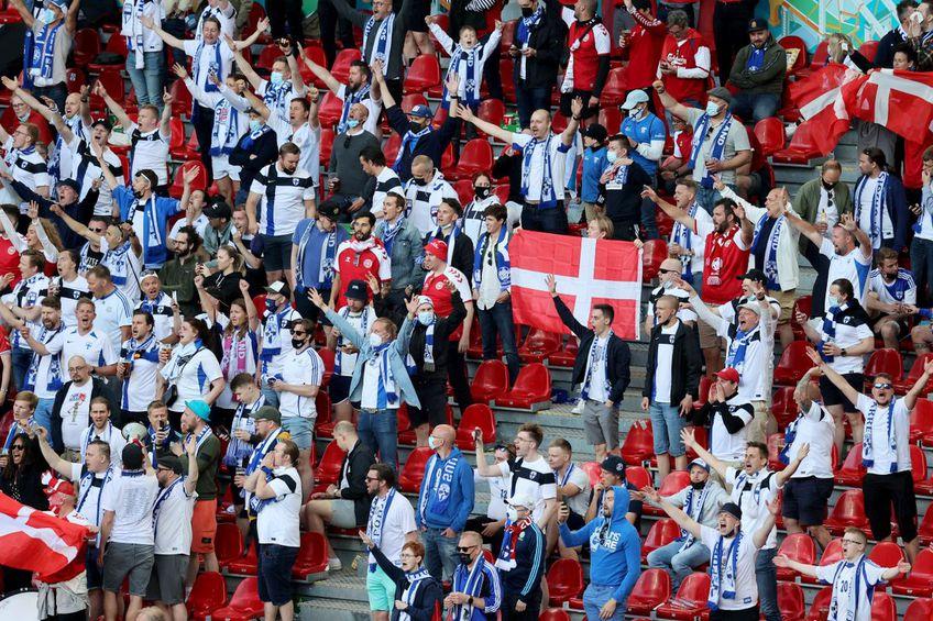 Suporterii de la Danemarca - Finlanda 0-1 // foto: Guliver/gettyimages