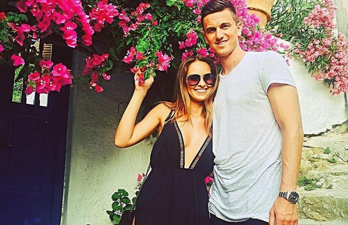 WOW! Florin Gardoș, cel mai norocos jucător din Liga 1? Soția sa face ravagii când apare în costum de baie