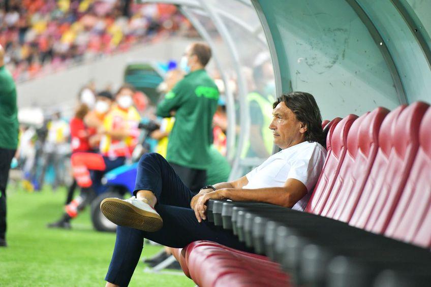"""Dario Bonetti (60 de ani) a plecat în Italia după umilința suferită de Dinamo în derby-ul cu FCSB, scor 0-6. Ar putea fi ultimul lui meci la conducerea """"câinilor""""."""