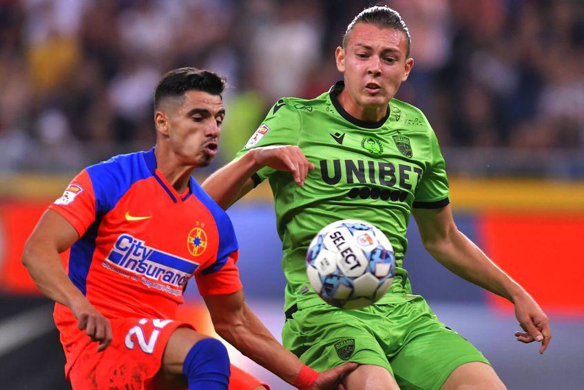 Valentin Gheorghe în duel cu Deniz Giafer, în FCSB - Dinamo 6-0