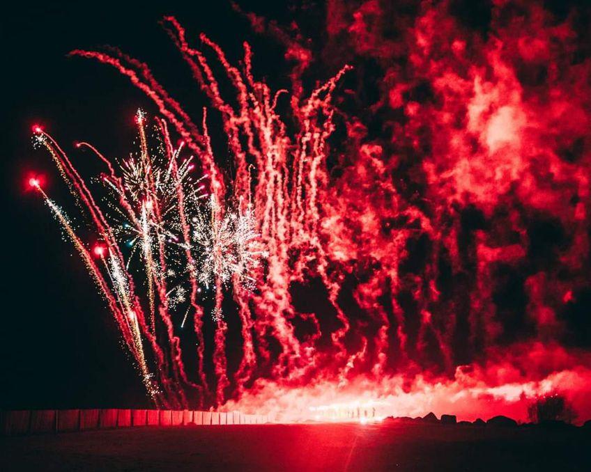 Suporterii celor de la Farul Constanța au sărbătorit în stil mare centenarul clubului.