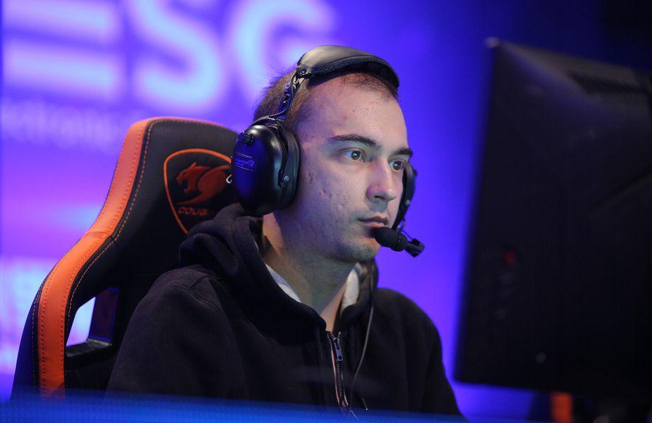 """Continuă scandalurile în Dota 2. Andriy """"Alwayswannafly"""" Bondarenko, unul din cei mai vechi streameri, a fost suspendat de Twitch."""