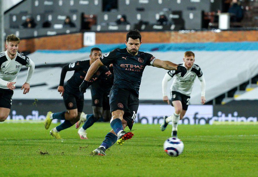 Momentul din minutul 60, când Sergio Aguero a înscris din penalty în poarta lui Alphonse Areola FOTO Imago