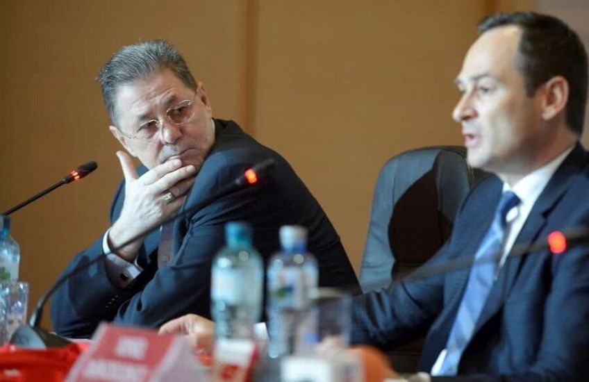 Cornel Dinu și Ionuț Negoiță, la o conferință de presă din urmă cu mai mulți ani