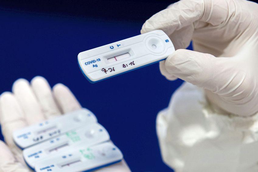 Sportivii pot fi testați pentru coronavirus cu teste rapide // FOTO Guliver/GettyImages