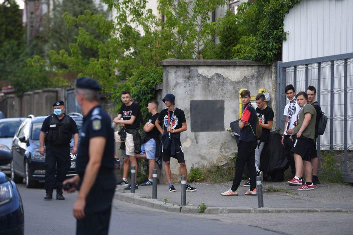 EXCLUSIV Doi jucători importanți sunt OUT de la CFR Cluj! Cu cine și-a pierdut Dan Petrescu răbdarea