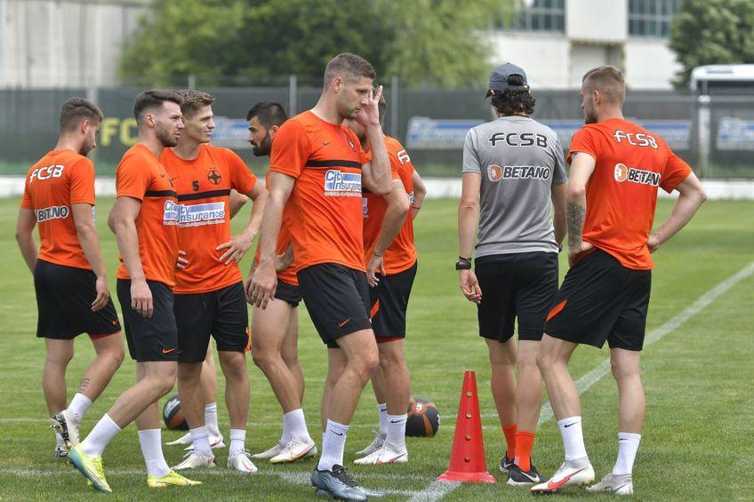 FCSB va fi pregătită sezonul următor de Dinu Todoran // foto: Facebook @ FCSBOfficial