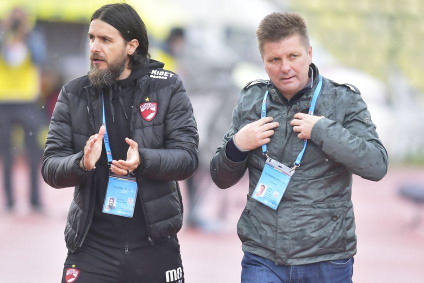 Mario Nicolae (director sportiv Dinamo, în stânga) și Dusan Uhrin jr (antrenor Dinamo) // foto: Imago