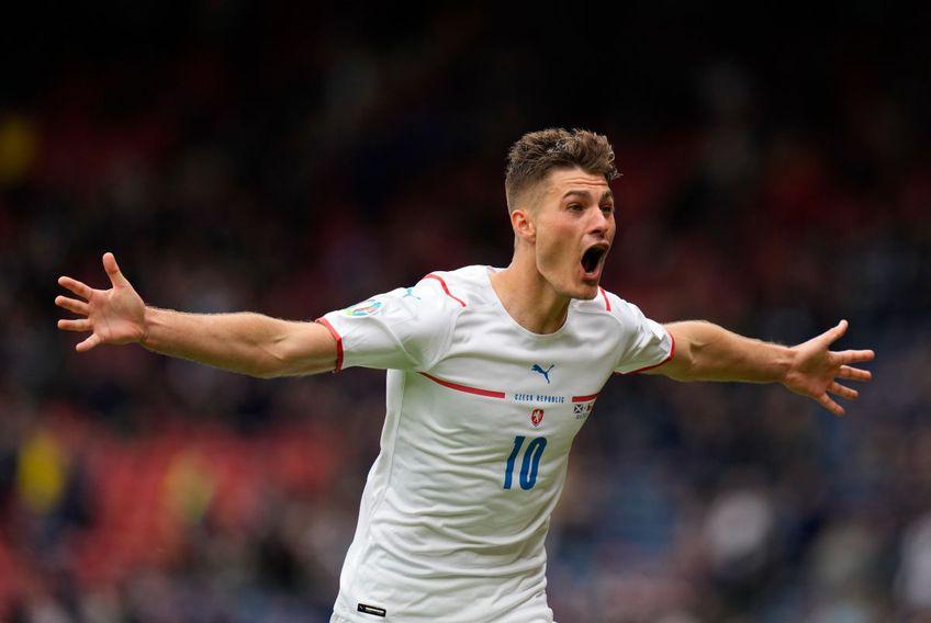 Patrik Schick (25 de ani, atacant) a reușit un gol fabulos în partida Scoția - Cehia - grupa D de la Euro 2020.