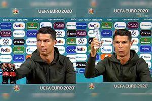 FABULOS! Cu cât a scăzut valoarea acțiunilor Coca-Cola la bursă, după ce Ronaldo a mutat două sticle la conferință!