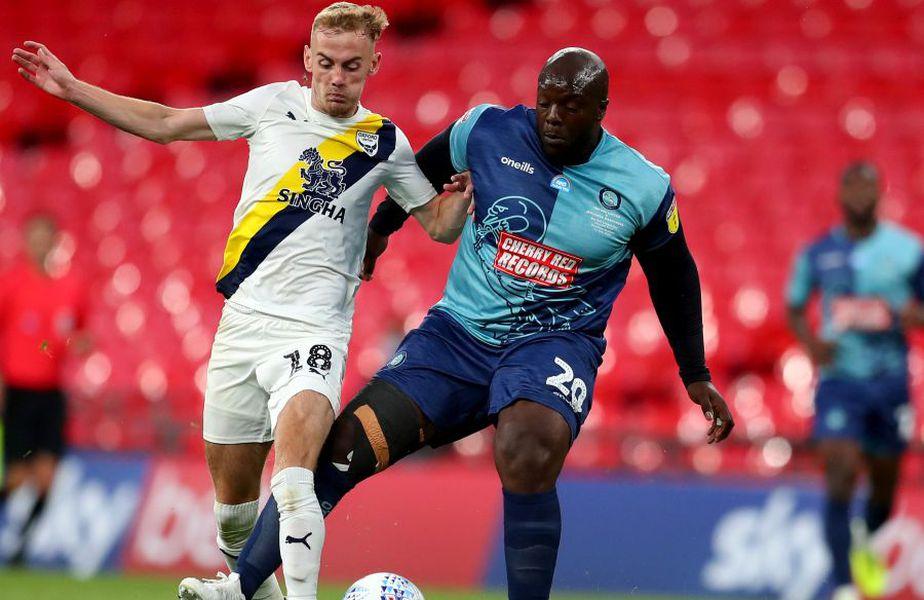 Adebayo Akinfenwa, 38 de ani, 102 kg, a promovat pentru prima oară în carieră în liga secundă engleză cu Wycombe Wanderers. foto: Guliver/Getty Images