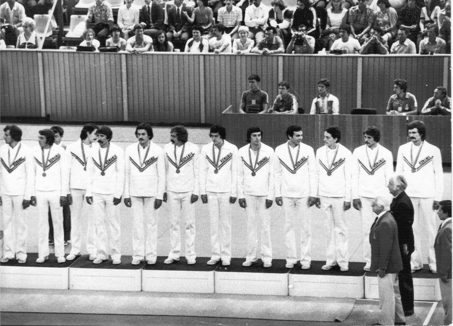 Echipa României pe podium la JO 1980. Dan Gîrleanu, al patrulea din dreapta