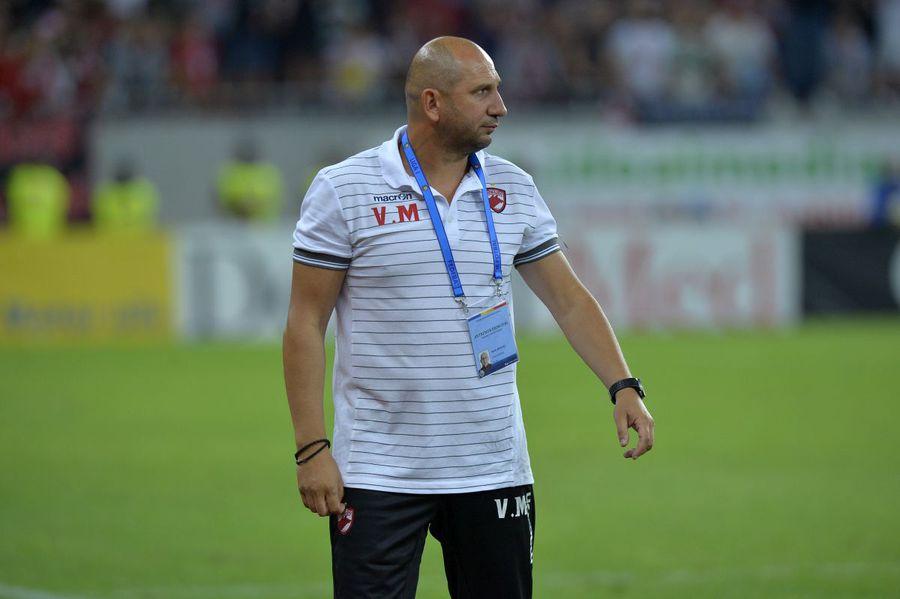 Un nou antrenor pe lista lui Dinamo! Mureșan ar putea apela la unul dintre preferații săi pentru a-l schimba pe Bonetti