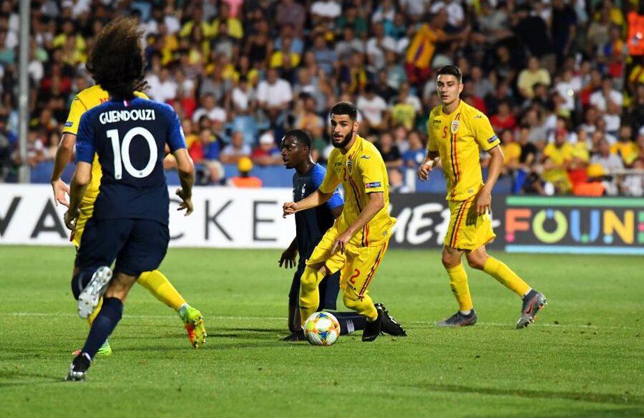 Din informațiile Gazetei Sporturilor, fotbalistul care s-a simțit rău înaintea partidei cu Malta este Radu Boboc (21 de ani), fundașul dreapta al celor de la Viitorul.