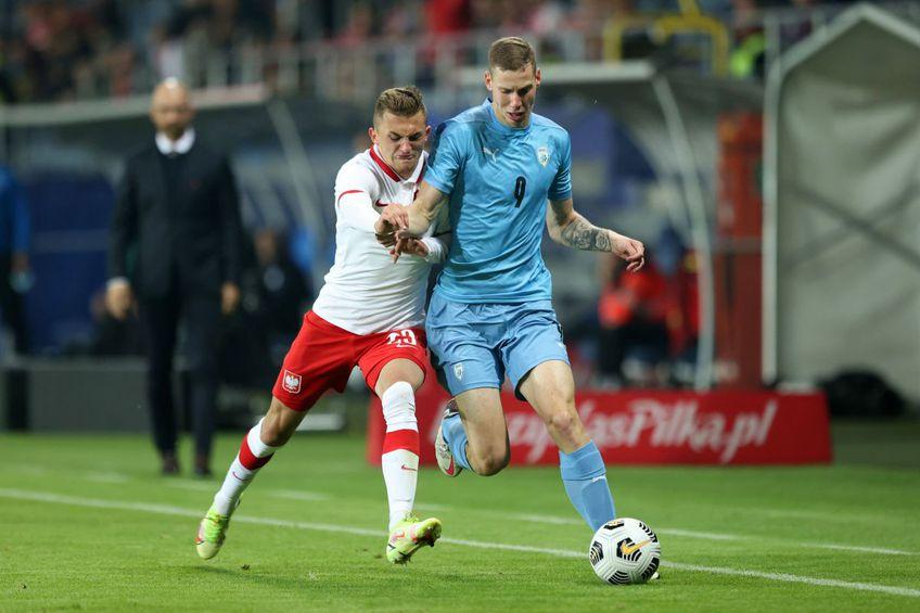 Suf Podgoreanu ( dreapta), evolând pentru Israel într-un meci contra Poloniei Foto: Imago