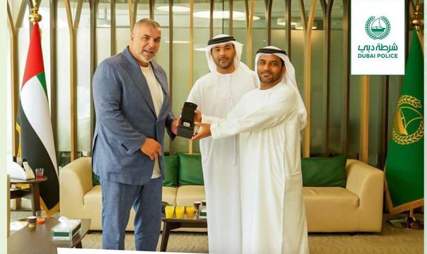 Cosmin Olăroiu și-a recuperat ceasul Foto: Dubai Police
