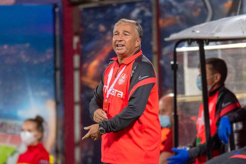 Dan Petrescu, 53 de ani, antrenorul lui CFR Cluj, are în sfârșit tot lotul la dispoziție.