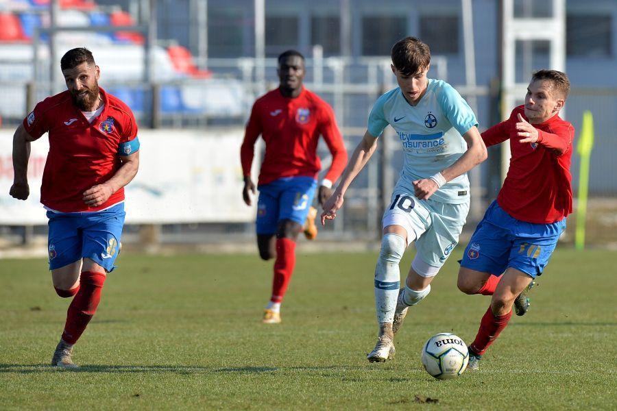Octavian Popescu are 18 ani și a evoluat în prima ligă doar pentru FCSB // FOTO Cristi Preda