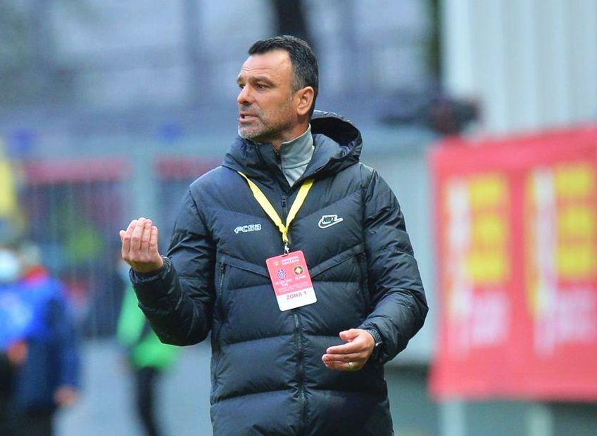 Toni Petrea, antrenorul bucureștenilor, a fost mai nervos ca niciodată la interviuri.