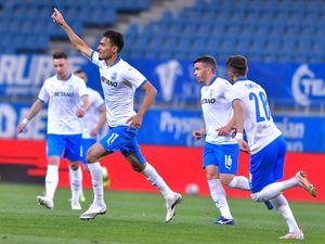 Ar fi meritat stadionul plin! Gol de generic în CS U Craiova - CFR Cluj + marcatorul a ieșit în lacrimi de pe teren!