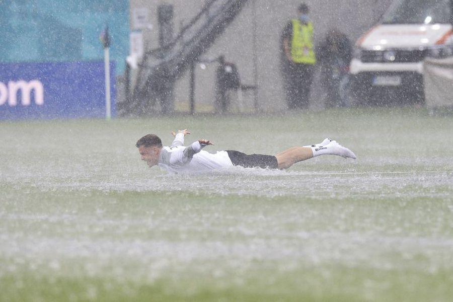 """Acoperișul """"șanselor egale"""" și ipocrizia UEFA"""