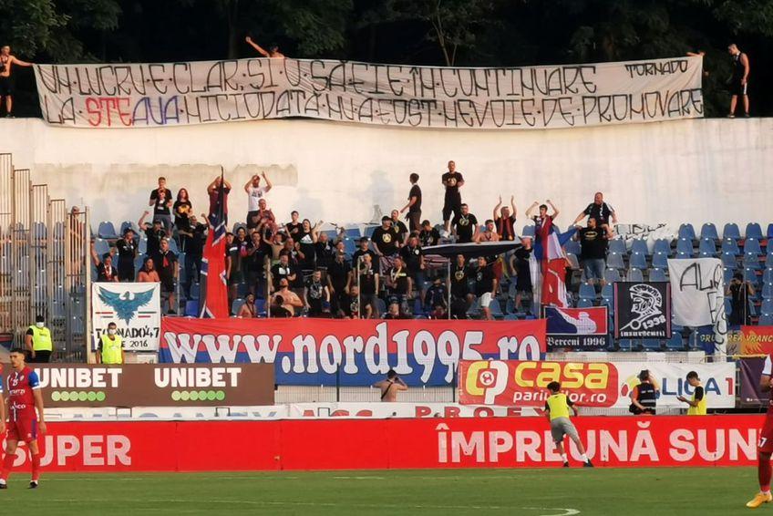 Peluza Nord a făcut deplasarea la Botoșani și a luat-o la țintă pe CSA Steaua. FOTO: Ionuț Tabultoc