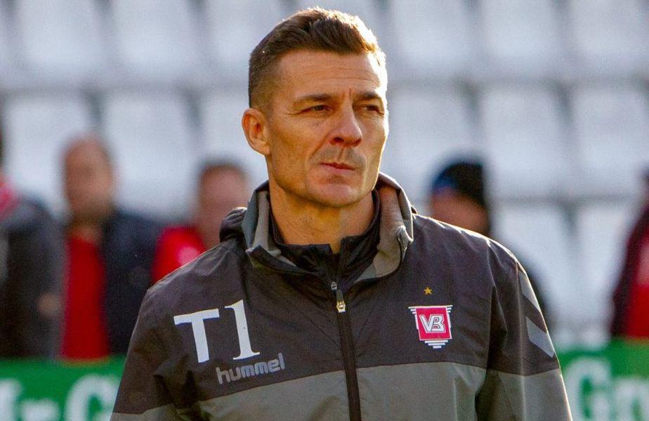 Revenirea lui Costel Gâlcă (48 de ani), antrenorul lui Vejle, în prima ligă din Danemarca s-a soldat luni cu un eșec, 2-4 contra celor de la Aarhus.