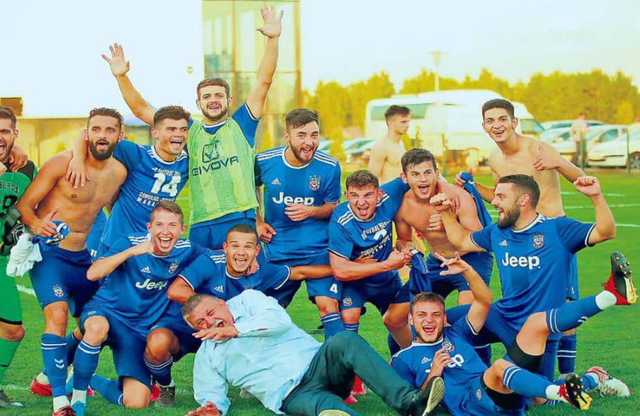 Echipa comunei Recea, cu fostul mijlocaș dinamovist Ciprian Danciu la timonă, a readus Maramureșul fotbalistic în Liga 2, după cinci ani în care județul din nordul țării nu mai avusese nicio echipă în primele două eșaloane.   FOTO: Paul Ursachi UPfoto