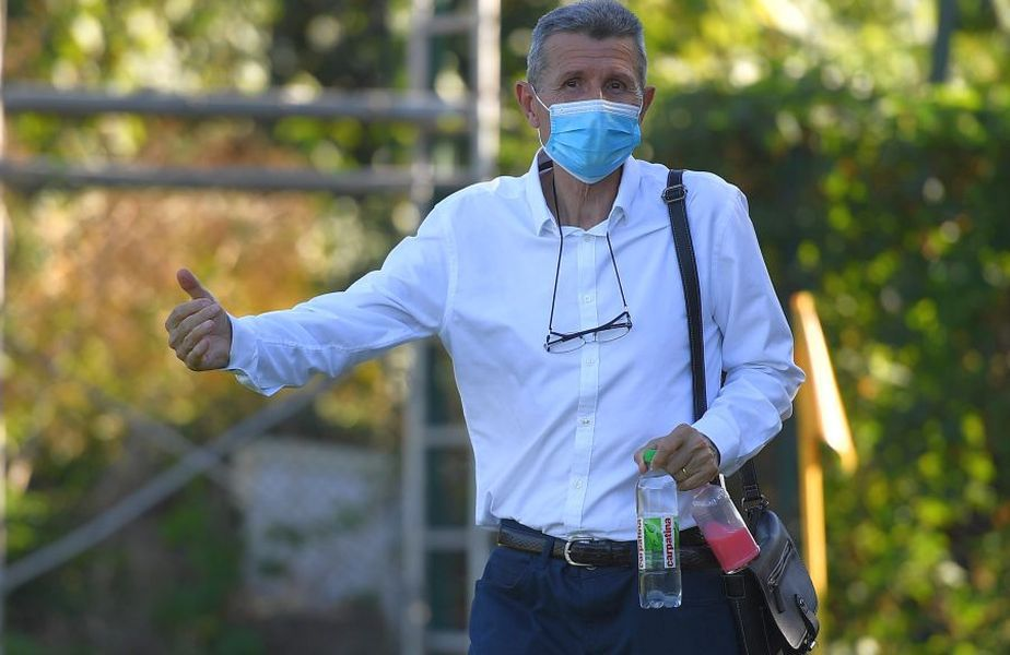 Gheorghe Mulțescu (68 de ani), ultima dată antrenor la Dinamo, a fost contactat de U Cluj (Liga 2), club rămas fără antrenor după demisia lui Adrian Falub