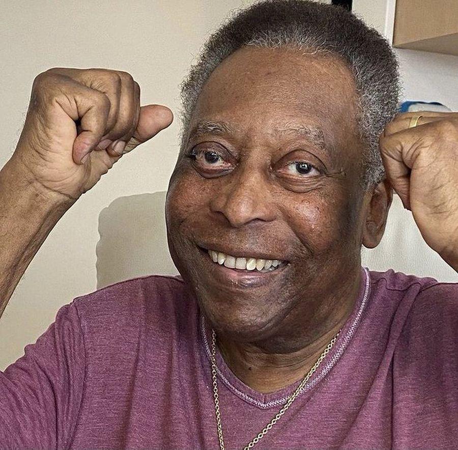 """Pele a revenit la secția de terapie intensivă: """"E stabil"""" » Imaginea postată de fiica lui"""