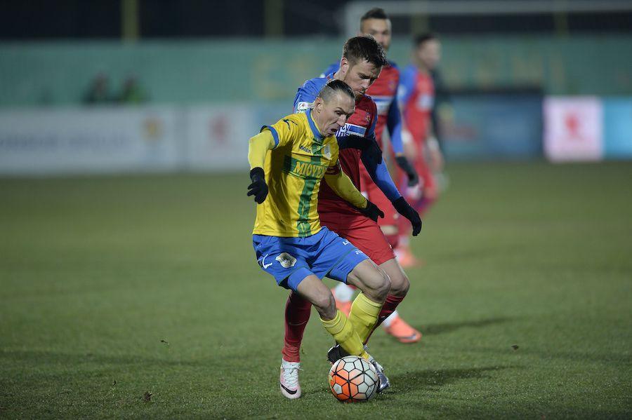 Roberto Ayza, în duel cu Pintilii
