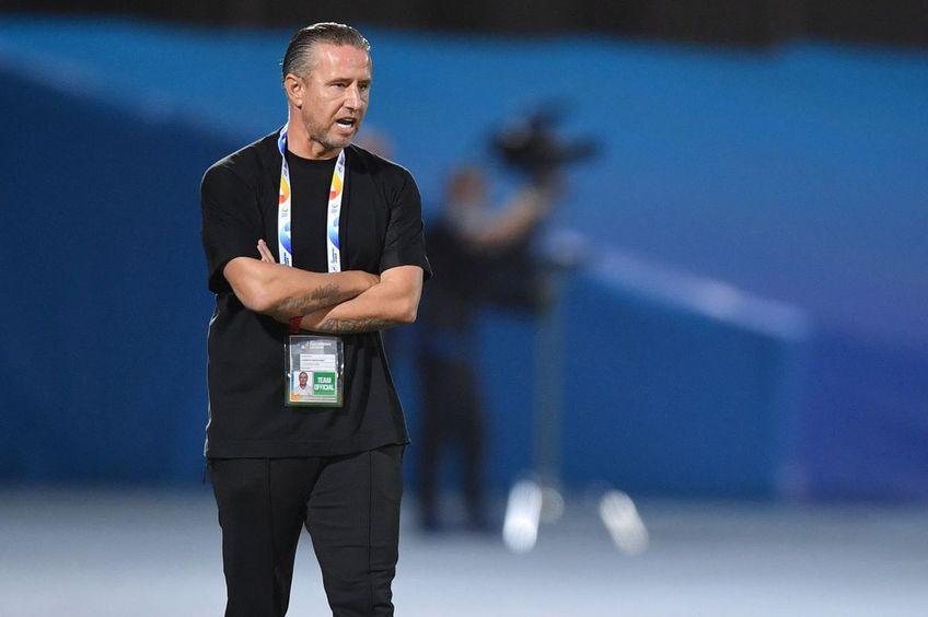 Laurențiu Reghecampf, antrenor Al Ahli // foto: twitter @ ALAHLI_FC