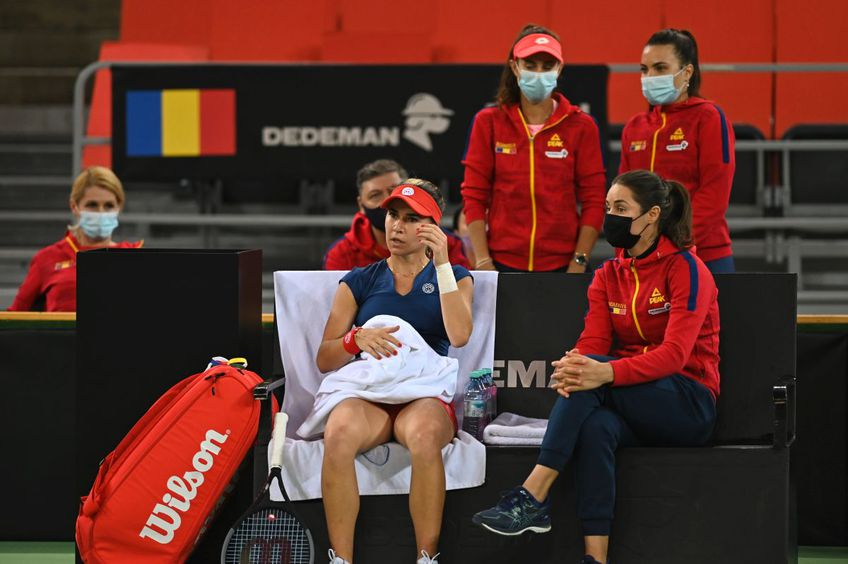 """Italia conduce România cu 2-0 în barajul pentru Grupa Mondială a Billie Jean King Cup, dintre România și Italia. Monica Niculescu (33 de ani, 174 WTA), căpitanul-jucător al reprezentativei """"tricolore"""", ia în calcul să intre pe teren sâmbătă"""