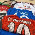 """Gazeta Sporturilor, prin campania """"Inima Sportului"""", a colectat mai multe tricouri de la oameni importanți din fotbal. Arbitrul Octavian Șovre a primit tricourile care vor ajunge la Asociația S.O.S. Autism Bihor"""
