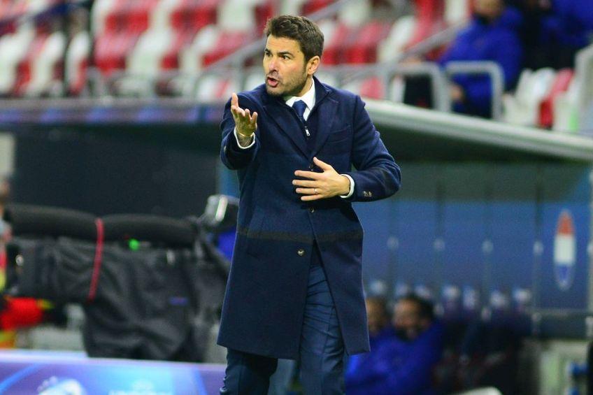 Costel Lazăr (58 de ani), director sportiv la Petrolul Ploiești, admite că Adrian Mutu (42 de ani) se află pe lista posibililor antrenorilor pentru sezonul viitor.