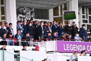 """Sfidare la """"oficială"""" » Imaginea zilei în Liga 1, la FC Argeș - Dinamo. Ce făceau fanii """"câinilor"""" în acest timp"""