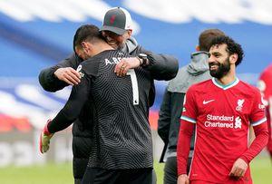 """Alisson a marcat golul care o poate duce pe Liverpool în Ligă și a izbucnit în lacrimi: """"Unele lucruri nu pot fi explicate, este voința lui Dumnezeu"""""""