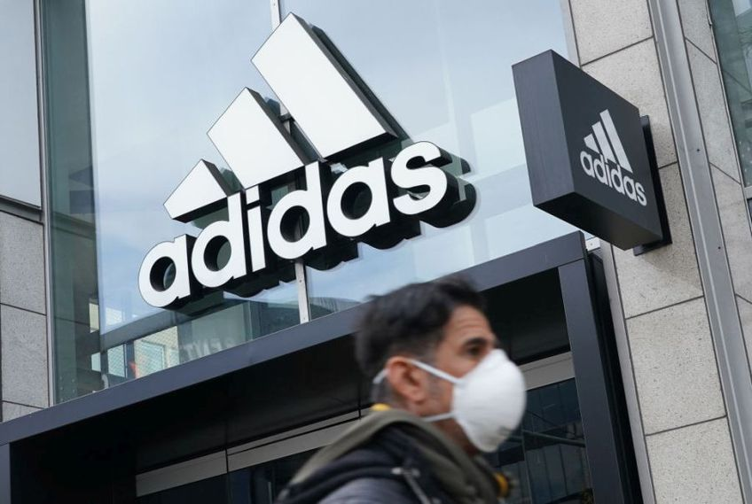Echipamentele sportive continuă să fie o afacere profitabilă în România