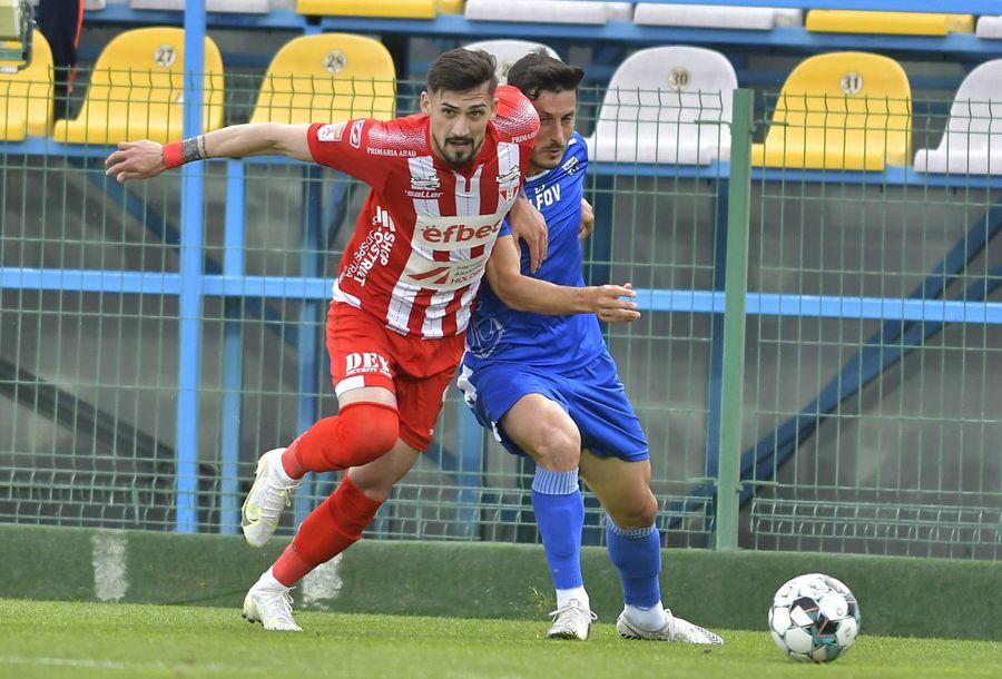 Rapid deschide transferurile cu două mutări importante: fotbalistul convocat de Rădoi și fost jucător la FCSB!