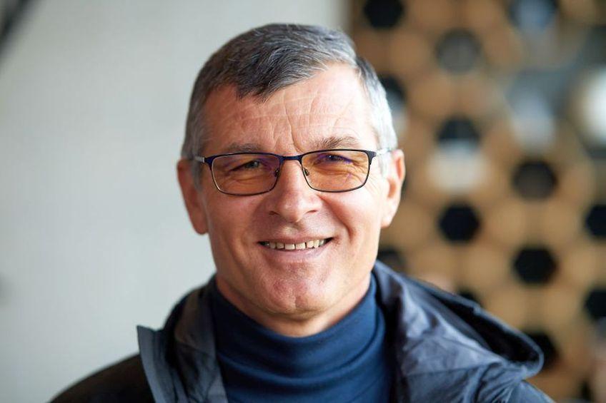 Ioan Ovidiu Sabău (53 de ani) e dorit de FC Brașov, nou-promovată în Liga 2. Sabău nu a mai antrenat din 2014.