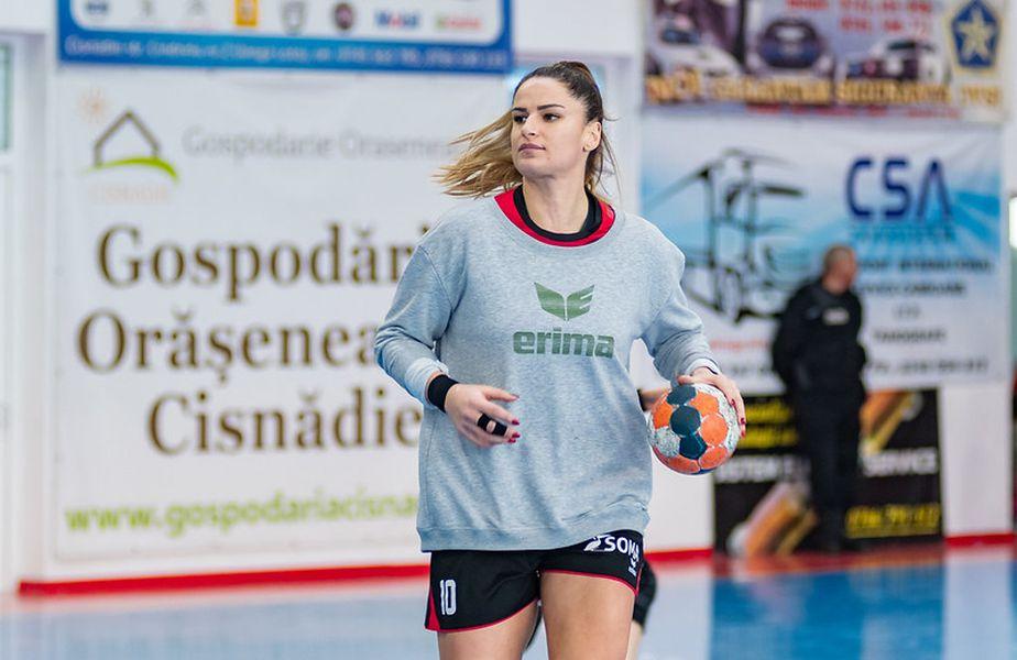 Adriana Crăciun Țăcălie are în palmares Liga Campionilor, pe când evolua la Buducnost FOTO Dan Potor