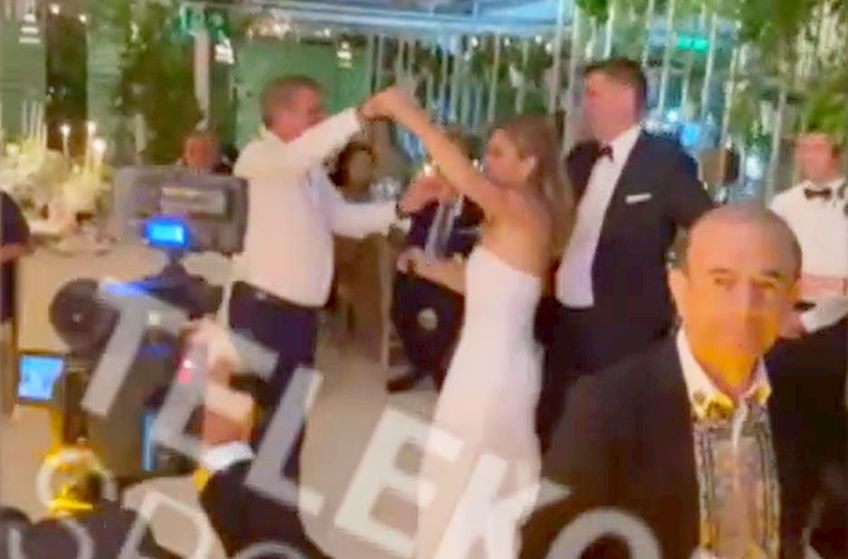 Simona Halep, a 11-a jucătoare a lumii, s-a căsătorit miercuri cu Toni Iuruc. Prezent la petrecere, Gică Hagi a făcut senzație pe ringul de dans.